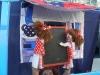 """Utorkový letný podvečer pred OC Tip-top patril deťom, ale aj tým starším, ktorí si prišli pozrieť rozprávku Márie Ďuričkovej """"Danka a Janka"""" v podaní hercov prešovského divadla Babadlo."""
