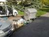 Pred kontajnermi pri MŠ Tatranská 23 bol nahromadený odpad. Zlikvidovali ho pracovníci VPP.