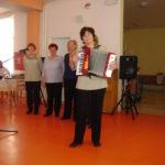 Spevácka skupina Staromešťanka, MSSk Dubina a tanečný súbor Šťastná žena prijali pozvanie klientov Domova dôchodcov na Garbiarskej ulici. Potešili ich hodinovým programom. Nebola to prvá návšteva, počas Fašiangov na Garbiarskej vystúpili aj členky SSk Malina.