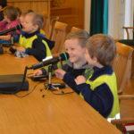 30.3.2017 sme na Miestnom úrade zorganizovali Deň otvorených dverí. Do 9. ročníka sa nám prihlásilo 225 detí z jednej základnej, dvoch stredných a štyroch materských škôl. Deti aj veľkí školáci sa v rámci simulovaného zastupiteľstva zahrali na poslancov. Odsúhlasili si napríklad týždeň riaditeľského voľna, zmrzlinu na obed a jeden predškolák by dokonca vedel namiešať elixír […]