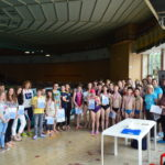 Dnes, 25.5.2017 sa na Mestskej krytej plavárni uskutočnili Plavecké preteky základných škôl MČ KE-Staré Mesto – Memoriál Magdalény Kapcárovej. Súťaže sa zúčastnilo 5 staromestských základných škôl, ktoré reprezentovalo 34 žiakov v zmiešaných družstvách chlapcov aj dievčat. Súťažilo sa v ôsmich kategóriách jednotlivo, ale súdržnosť žiaci ukázali i v jednej spoločnej súťaži- štafete. 1. miesto získala […]