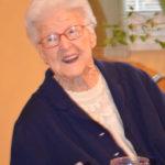 Blahoželať k storočnici, to sa dnes len tak nevidí. Takého krásneho jubilea sa minulý rok dožila Staromešťanka Teodóra Gerhardová. Po roku sme ju na jej narodeniny navštívili opäť. 7.12.2017 oslávila 101 rokov a opäť nás privítala s láskavým úsmevom. Je až neuveriteľné, ako táto výnimočná dáma dokáže nabiť každú návštevu pozitívnou energiou a nesmiernou pokorou. […]