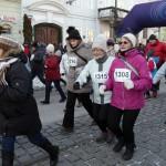 6.1.2017 sa členovia Denného centra zúčastnili tradičného Trojkráľového behu v meste na Hlavnej ulici. Foto: košickéSprávy.sk