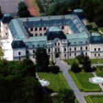 Vo februári sa uskutočnila turistická vychádzka so spoznávaním pamiatok. Cieľ boli kaštieľ a letohrádok v Markušovciach. Seniori sa potom vybrali vlakom do Matejoviec, kde obdivovali nádherné cencúle na Šikľavej skale. V marci – 15.3.2017 pokračovali prehliadkou zámku a skanzenu v Humennom a chystajú sa aj do Michaloviec do obce Jovsa 22.3.