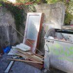 Neporiadok na Belanskej ulici je už minulosťou. Postarali sa o to aktivační pracovníci našej mestskej časti.